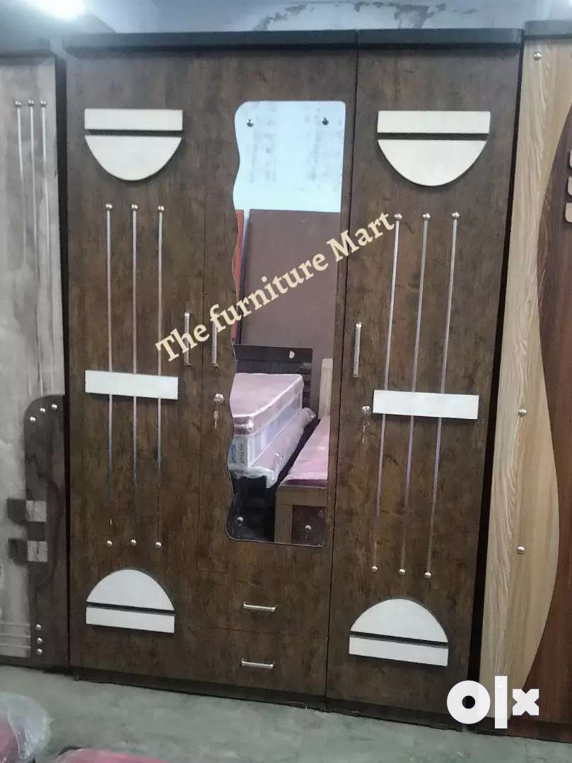 3 door wardrobe good quality 0