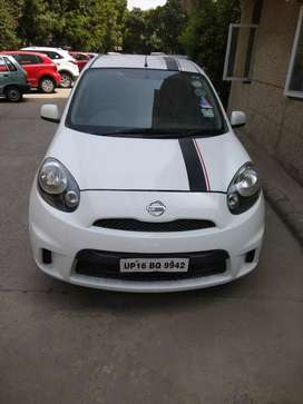 Brand new looking white Nissan micra Oct 2017
