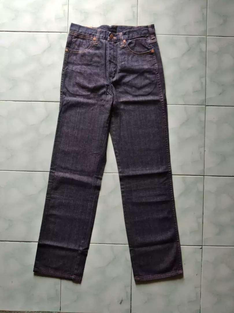 Celana Jeans Wrangler 701 Original 0