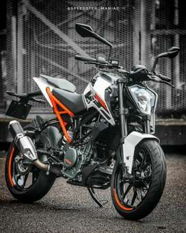 Selling 5 Month old, KTM Duke 250 Abs model 800kms only