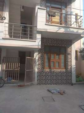150sqft ground floor flat @25 lac only