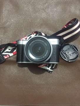 Kamera Mirrorless XA20