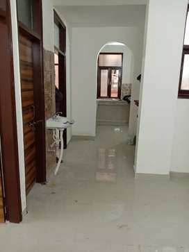 SEMI FURNISHED 2 BHK AVAILABLE FOR RENT