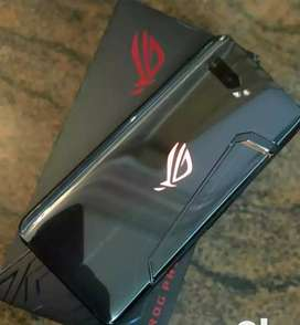 Asus rog phone 2 is available with us in second hand condition (3 mont