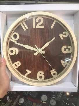 Jam Dinding Motif kayu kecil