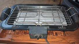 Electric grill 100% ok kam use hui 8.5/10 condition neat & clean BBQ