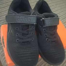 Dijual sepatu Diadora