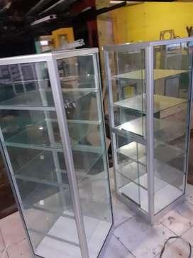 siap kirim etalase kaca  display tinggi 1,5 meter sudah ada rodanya