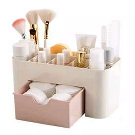 Tempat Kosmetik Dengan Bahan Plastik Untuk Organizer Rak Kosmetik