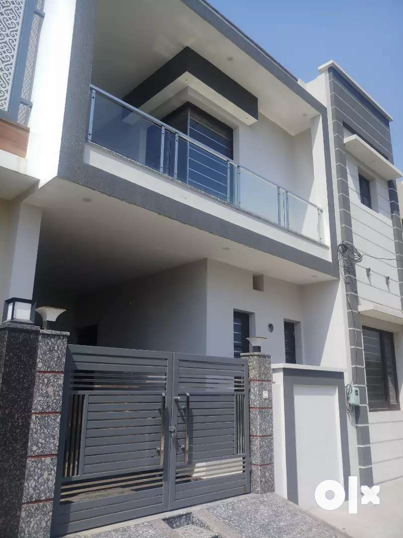 5.5 marlas kothi in just 58 lacs 66 ft road near curo pvr cinema 0