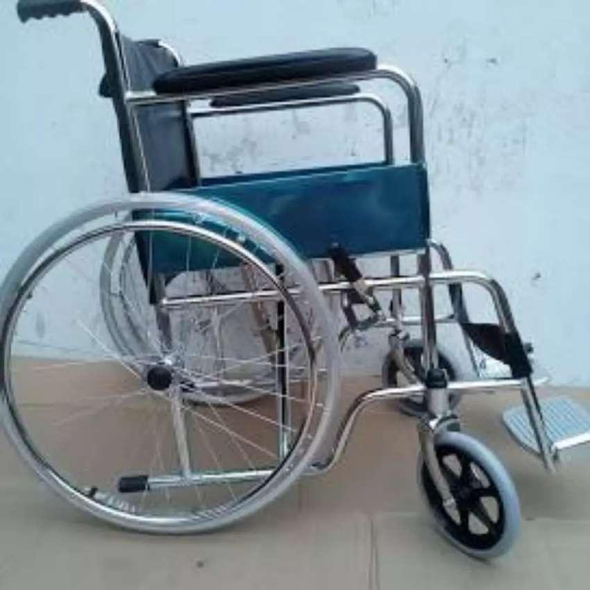 Kursi roda standar serinity
