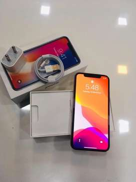 I PHONE X 256GB SILVER COLOUR WITH BILL WARRANTY