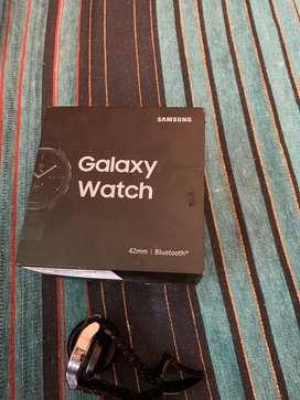 Samsung galaxy watch 42mm with bill and box
