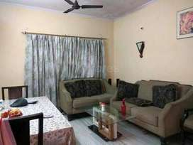 2 BHK flat for rent as aroom partner
