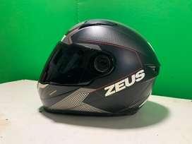 Helm zeus dijual