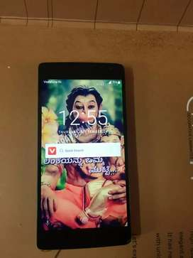 One plus 2 4 GB RAM 64 storage display crack phone good condition
