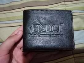 Real leather wallet branded and imported urgent sale