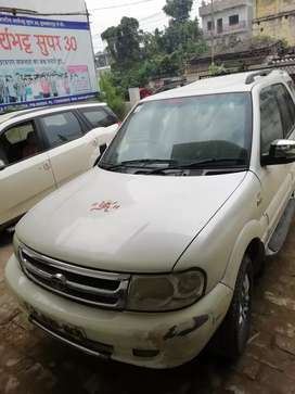 Tata Safari Top model, self driven in very good condition