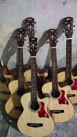 Gitar akustik Taylor Murmer tanam besi aktif