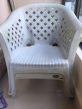Nilkamal make sofa chairs of white color in v good condition.