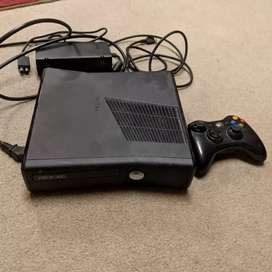 Xbox 360 with 320gb hard drive with 30 games