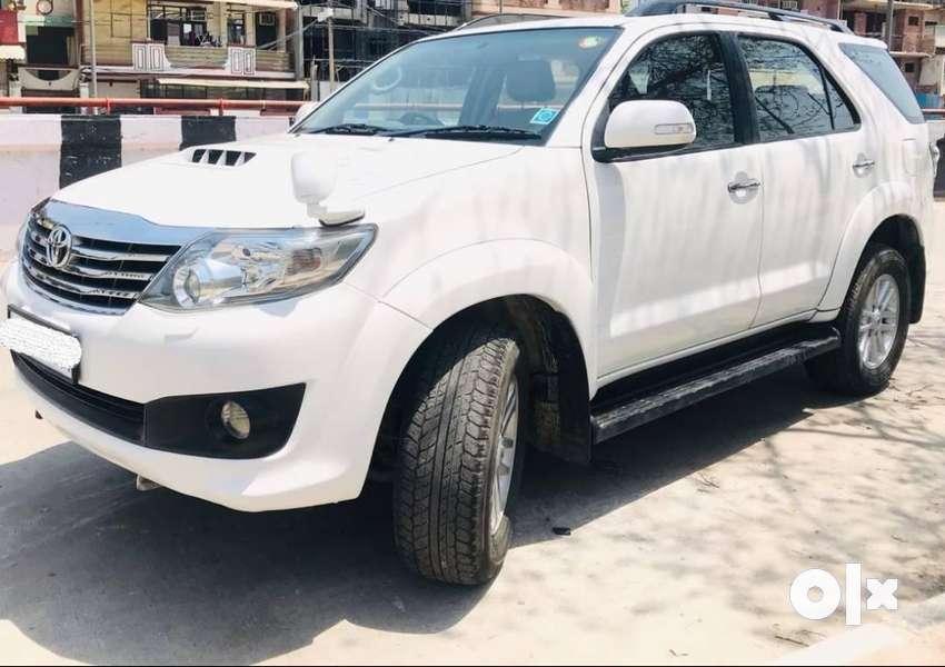 Toyota Fortuner 3.0 4x2 AT, 2012, Diesel 0