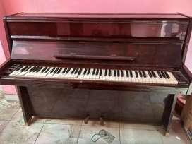 Piano bekas kondisi rusak tuts nya