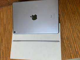 apple ipad pro 9.7 with all accessories