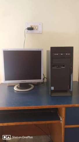 Working desktop in mint condition!!