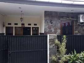 Dijual rumah (Urgent) lokasi strategis
