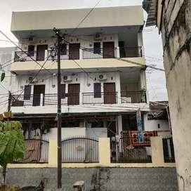 Dijual rumah tinggal dan kos kosan 18 kamar