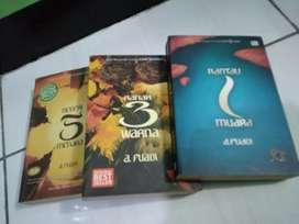 Novel Mahakarya Ahmad Fuadi : TRILOGI NEGERI 5 MENARA ORIGINAL