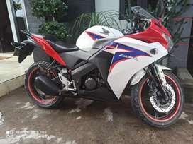 J IKHSAN MOTOR HONDA CBR 2013