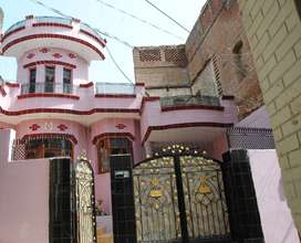Kothi in Dheera Mohalla with car parking