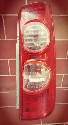 Stoplamp avanza sebelah kanan