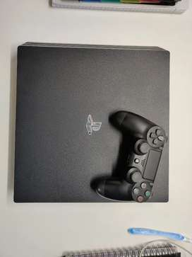 PS4 PRO 1TB - MINT CONDITION