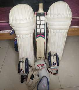 Basic cricket gear(helmet not available)