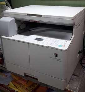 photocopy machine (black and white)