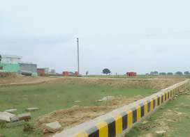Kalindipuram Vasudha Vihr Aprtment se 2km k distance pe free hold plot