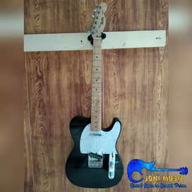 Gitar Fender Telecaster Hitam