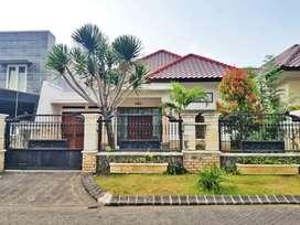 Dijual rumah mewah minimalis siap huni di Istana Dieng