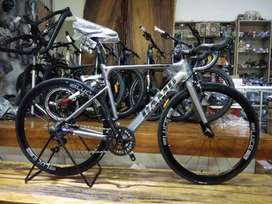 Road Bike CAMP IMPALA 2x11 Speeds Shimano 105