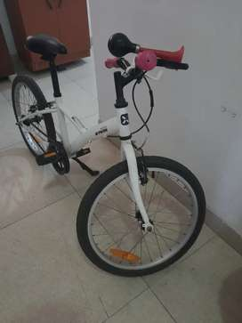 Sparingly  used 2 year plus girl child cycle