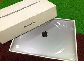 Apple MacBook Air / 2021 / intel Core i3 / 8GB / 256GB /Apple Warranty
