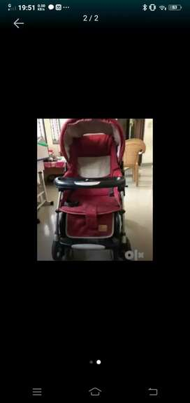 Mee Mee foldable comfortable baby pram strolley