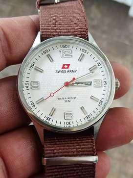 Jam tangan SWISS ARMY TANGGAL HARI