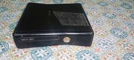 Xbox 360 slim 256gb with two controllers with kinect with 32 games