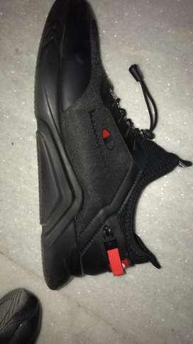 Black sports shoe