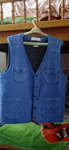 Jacket sleevless blue color small size