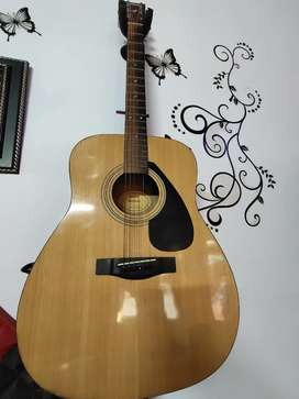 Yamaha FX310A Guitar In Very Good Condition.